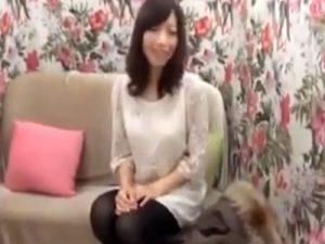 【ナンパ若妻動画】代官山でショッピング中の28歳素人の綺麗な美乳奥様を捕まえて無許可中出し!
