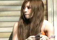 【オマ●コ盗撮動画】完全に撮り師泣かせの美少女ギャル子ちゃん!パンティ撮りたいが穿いてないので陰部収録w